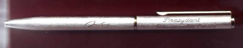 """Attēlu rezultāti vaicājumam """"valensas pildspalva"""""""